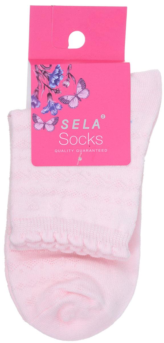НоскиSOb-4/071-7101Удобные носочки для девочки Sela, изготовленные из высококачественного материала, станут отличным дополнением к детскому гардеробу. Благодаря содержанию мягкого хлопка в составе, кожа сможет дышать, а эластан позволяет носочкам легко тянуться, что делает их комфортными в носке. Эластичная резинка плотно облегает ногу, не сдавливая ее, обеспечивая комфорт и удобство. Оформлены носочки стильным принтом. Уважаемые клиенты! Размер, доступный для заказа, является длиной стопы.
