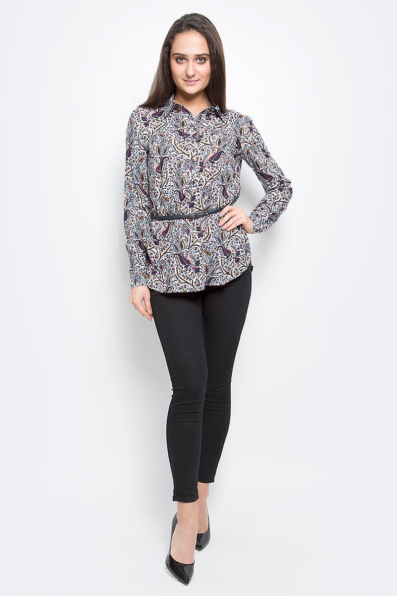 БлузкаB17-12050_315Стильная женская блузка Finn Flare выполнена из 100% вискозы. Блузка с длинными рукавами и отложным воротником. Изделие застегивается на пуговицы, манжеты рукавов также дополнены пуговицами. Оформлена модель оригинальным принтом и дополнена поясом.