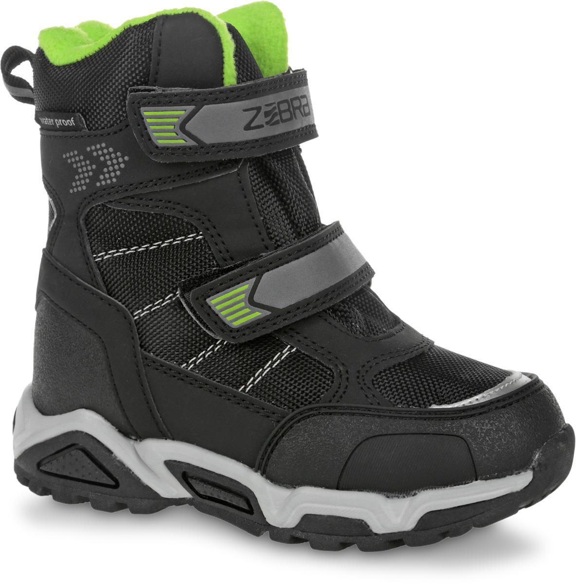 11017-1Полусапоги от Зебра выполнены из искусственной кожи и текстиля. Застежки-липучки надежно фиксируют изделие на ноге. Мягкая подкладка и стелька из шерсти обеспечивают тепло, циркуляцию воздуха и сохраняют комфортный микроклимат в обуви.