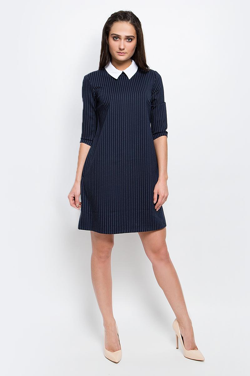 B17-11086_101Красивое платье Finn Flare изготовлено из вискозы с добавлением нейлона полиэстера и эластана. Модель с отложным отстегивающимся воротником и рукавами 3/4 застегивается по спинке на скрытую молнию. Оформлено изделие принтом в полоску.