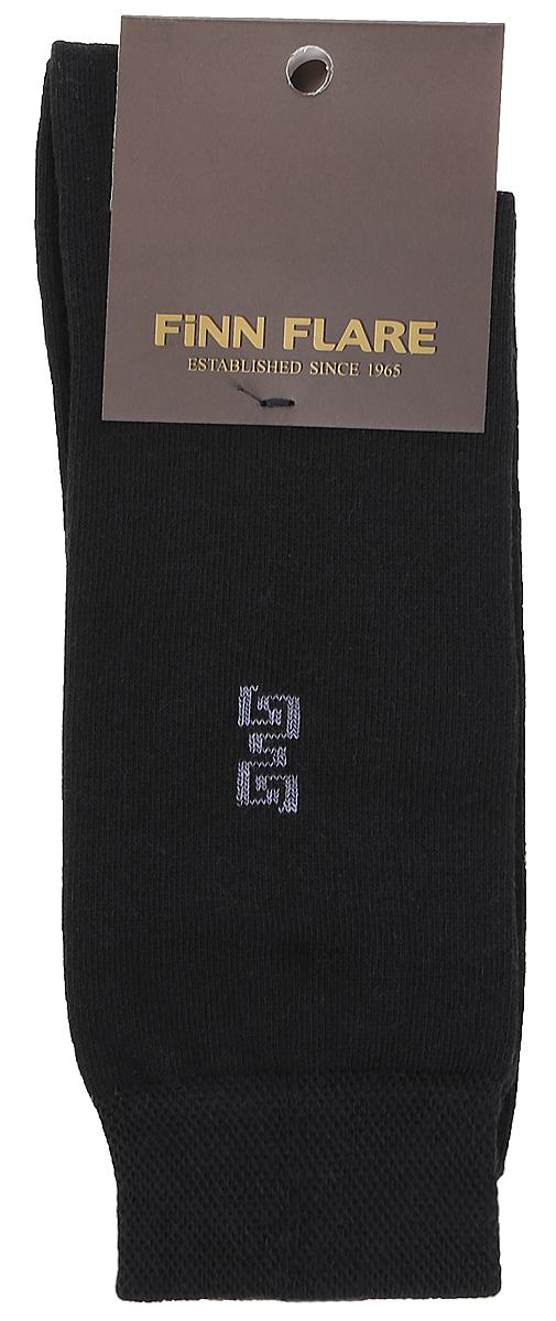 НоскиB17-21118_200Мужские носки Finn Flare изготовлены из высококачественного эластичного хлопка с добавлением полиамида. Удлиненные носки имеют эластичную резинку, которая надежно фиксирует изделие на ноге.