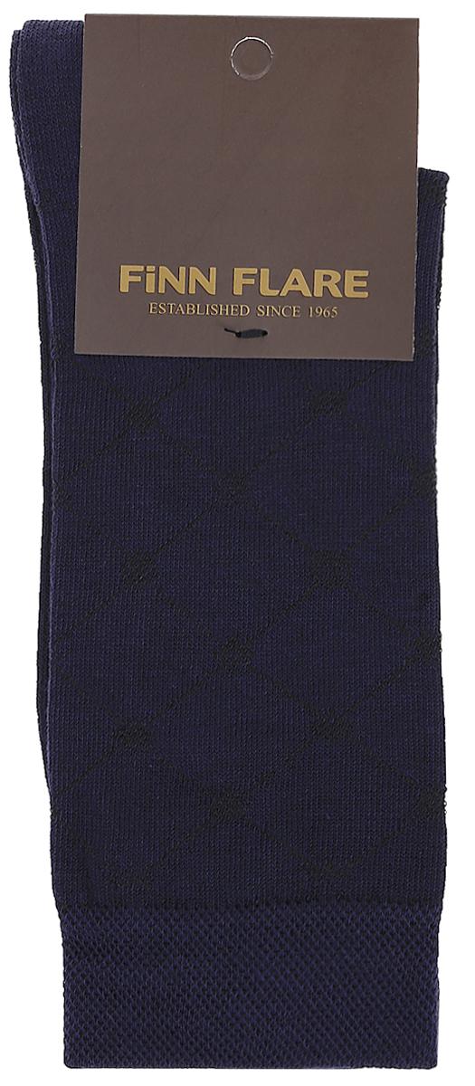 НоскиB17-21116_101Мужские носки Finn Flare изготовлены из высококачественного эластичного хлопка с добавлением полиамида. Удлиненные носки имеют эластичную резинку, которая надежно фиксирует изделие на ноге.
