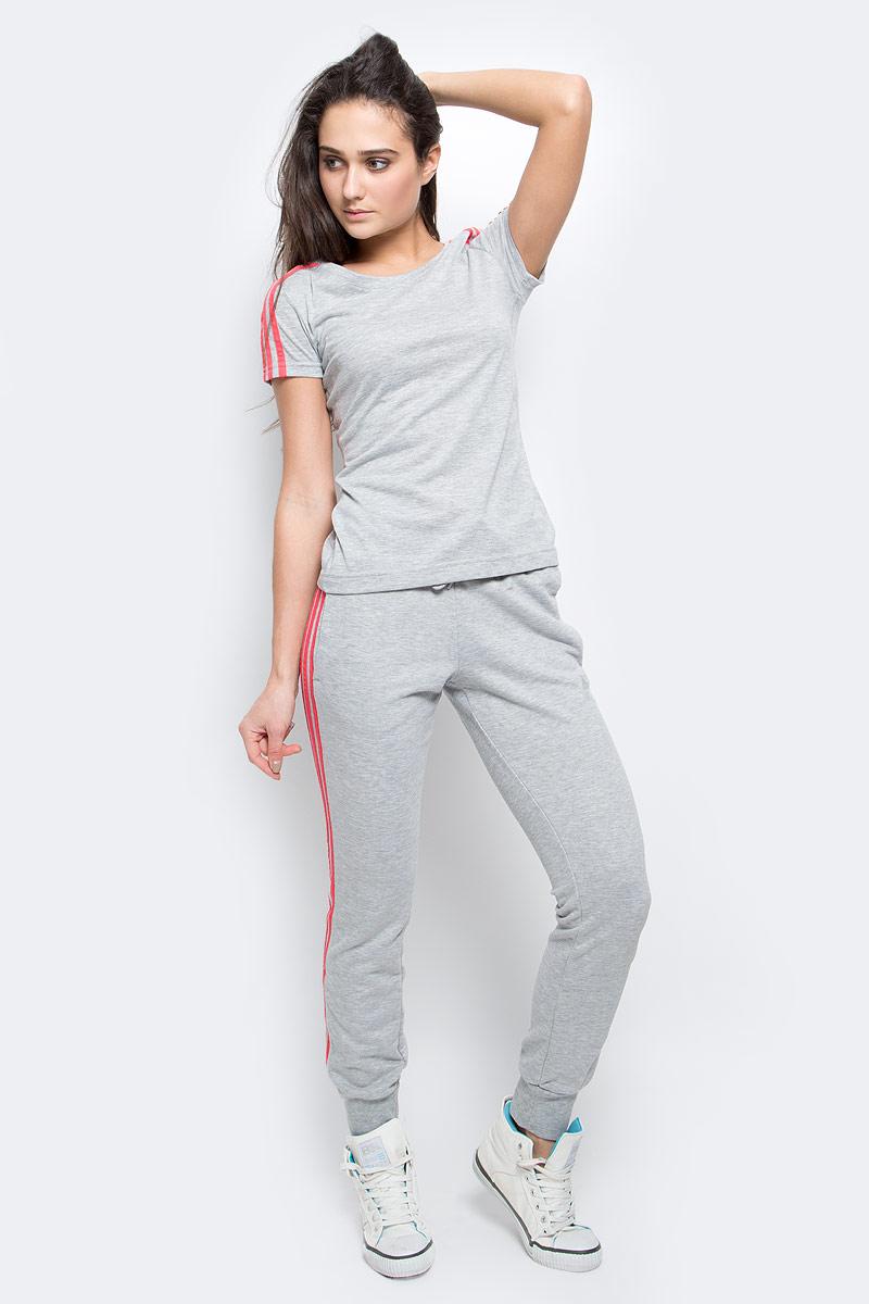 ФутболкаAY4791Женская футболка из мягкого эластичного трикотажа настолько легкая, что практически не ощущается на теле. Модель выполнена из функциональной ткани и украшена тремя полосками, подчеркивающими спортивный настрой. Ткань с технологией climalite быстро и эффективно отводит влагу с поверхности кожи, поддерживая комфортный микроклимат.