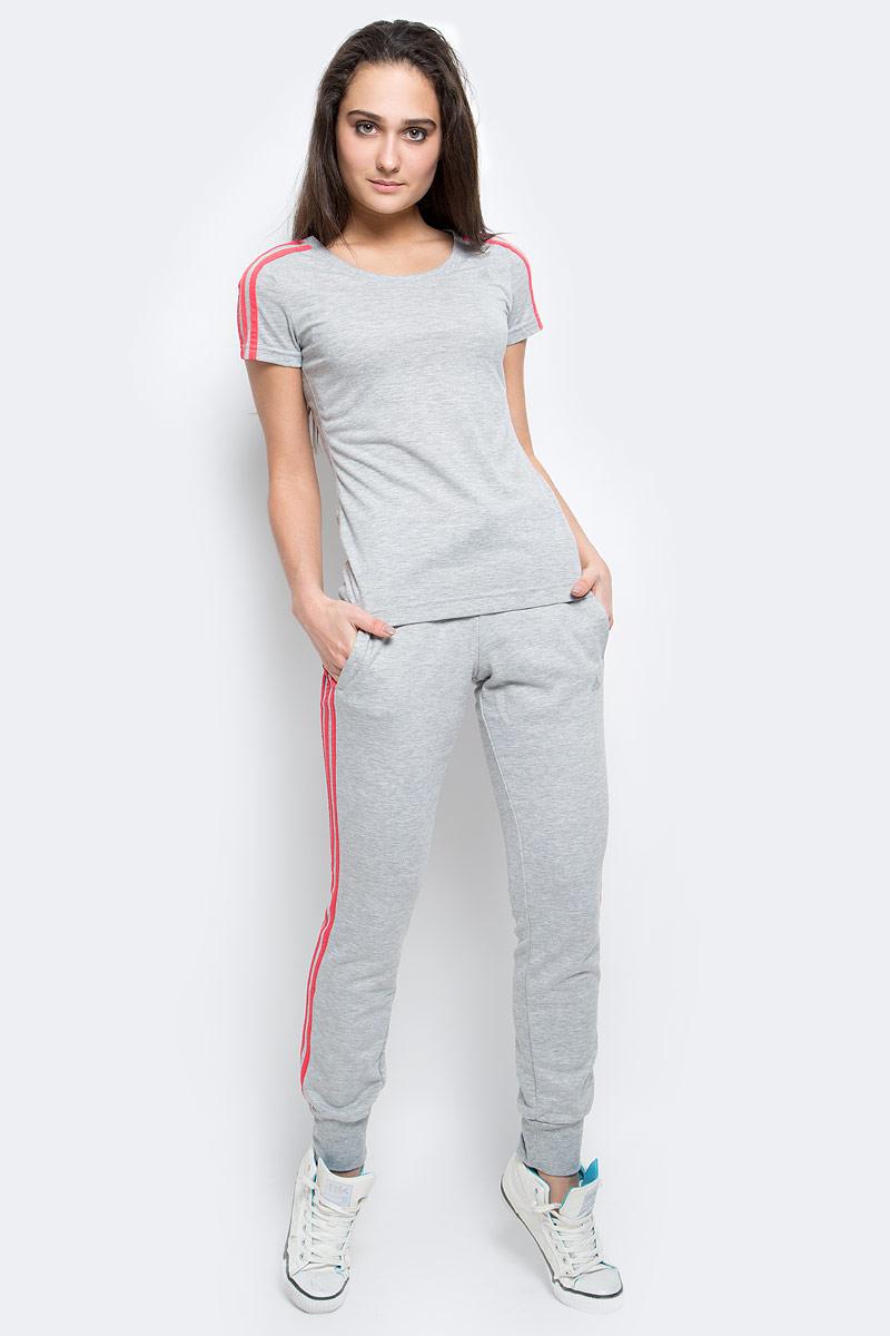 Брюки спортивныеAY4799Спортивные брюки из легкой, дышащей ткани climalite вы будете чувствовать себя свежо и комфортно как на йоге, так и на интенсивном кардио.Ткань с технологией climalite быстро и эффективно отводит влагу с поверхности кожи, поддерживая комфортный микроклимат. Боковые карманы, эластичный пояс на регулируемых завязках-шнурках, рифленые манжеты, контрастные три полоски на брючинах, логотип adidas на левой ноге. Эта модель - часть экологической программы adidas: использованы технологии, сберегающие природные ресурсы; каждая нить имеет значение: переработанный полиэстер сохраняет природные ресурсы и уменьшает отходы производства.
