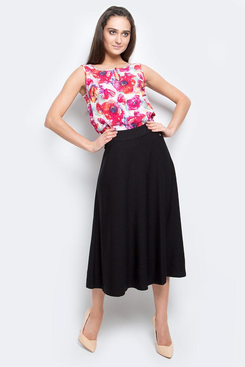 B17-32023_200Эффектная юбка Finn Flare выполнена из вискозы с добавлением нейлона и эластана. Элегантная юбка застегивается на застежку-молнию сбоку. Модель оформлена небольшой металлической пластиной с названием бренда.