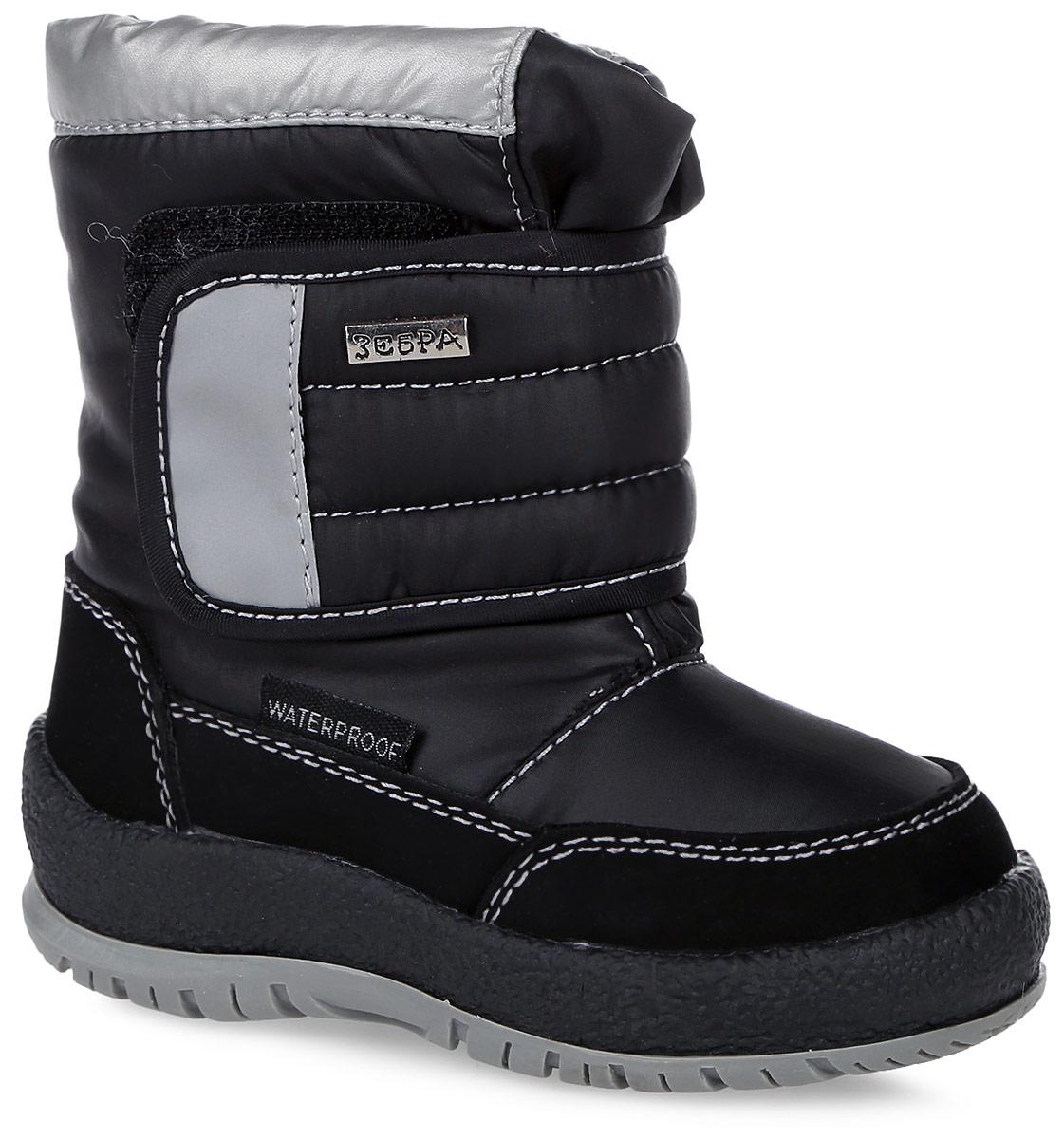 11011-1Полусапоги от Зебра выполнены из искусственной кожи и текстиля. Застежка-липучка надежно фиксируют модель на ноге. Мягкая подкладка и стелька из шерсти обеспечивают тепло, циркуляцию воздуха и сохраняют комфортный микроклимат в обуви. Подошва оснащена рифлением.