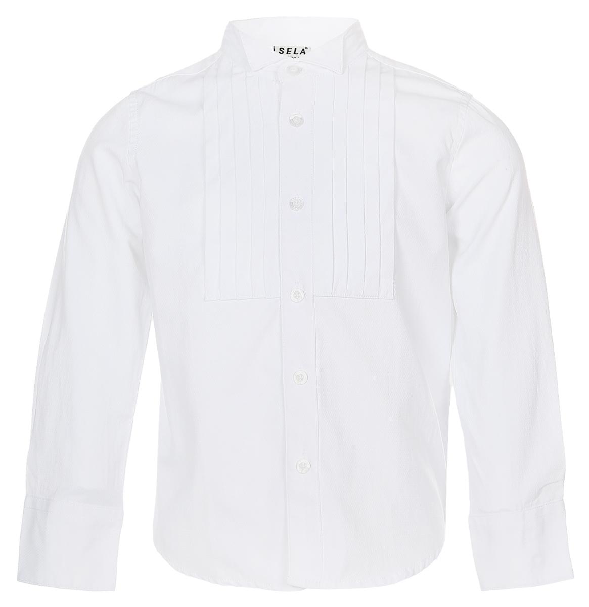 РубашкаH-712/447-6416Стильная рубашка для мальчика Sela изготовлена из качественного сочетания хлопка и полиэстера. Рубашка с длинными рукавами и воротником-стойкой застегивается на пластиковые пуговицы по всей длине. Манжеты рукавов также застегиваются на пуговицы. Классическая однотонная рубашка оформлена спереди горизонтальными складочками.
