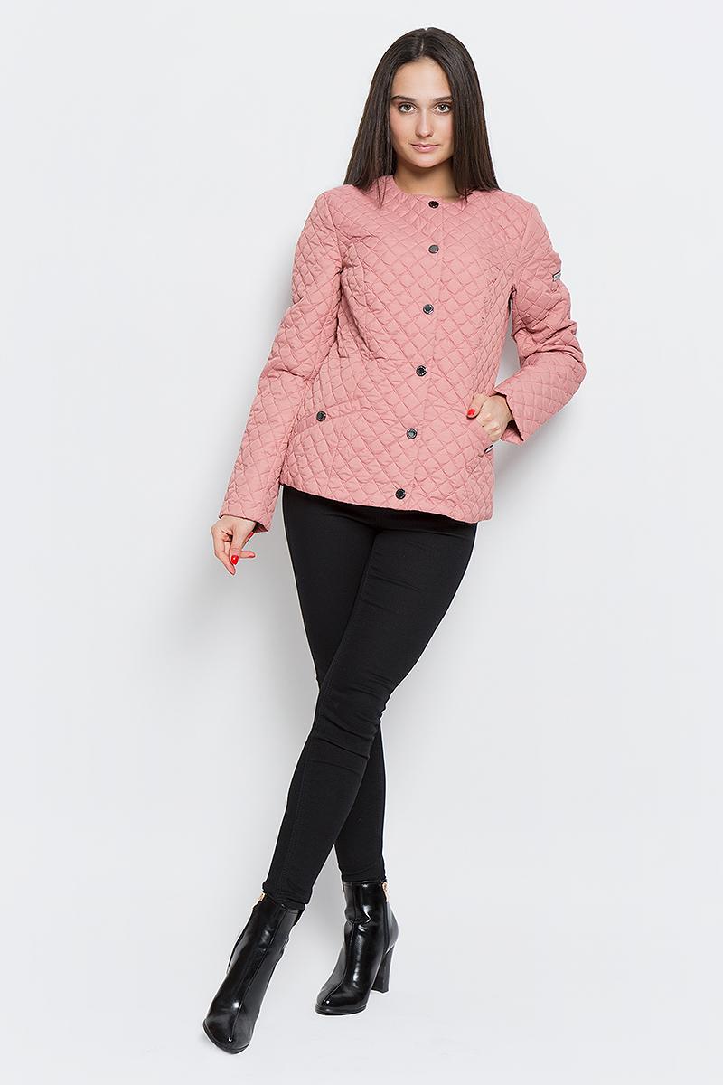 КурткаB17-11004_318Женская стёганая куртка Finn Flare выполнена из 100% полиэстера. Модель с круглым воротником застегивается на кнопки. Утеплена тонким слоем синтепона. Куртка оформлена двумя втачными карманами на застежках-кнопках.