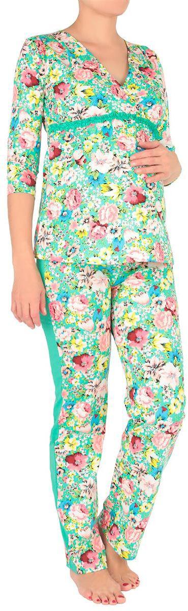 Домашний комплект3712692174Веселый, нежный и очень удобный домашний костюм с цветочными вкраплениями отлично впишется в домашний гардероб.