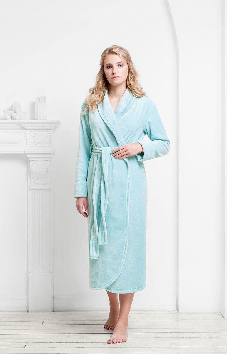 Халат9060117159Классический халат из ультрамягкой и теплой плюшевой ткани, в которую так приятно закутаться. Однослойная структура делает его легким и удобным для выполнения домашних дел. Цвета модели классические, мягкие.
