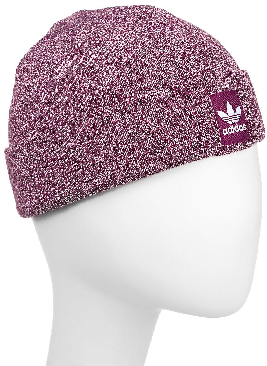 AY9065Шапка Adidas Rib Logo Beanie - классическая шапка-бини, связанная из мягкой меланжевой пряжи. Три полоски украшают внутреннюю сторону подвернутого манжета. Атласная нашивка с Трилистником на отвороте.