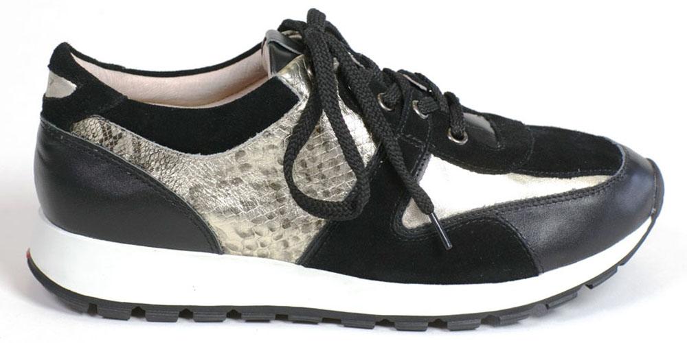 КроссовкиQTE006BСтильные кроссовки выполнены из комбинации натуральной кожи и замши. Стелька выполнена из натуральной кожи. На подъеме модель фиксируется шуровкой.