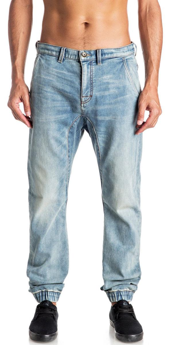ДжинсыEQYDP03305-BPTWМужские джинсы Quiksilver выполнены из высококачественного эластичного материала. Джинсы застегиваются на пуговицу в поясе и ширинку на застежке-молнии, дополнены шлевками для ремня. Спереди модель дополнена двумя втачными карманами, сзади - двумя накладными карманами. Модель украшена декоративными потертостями, низ штанин собран на резинки.