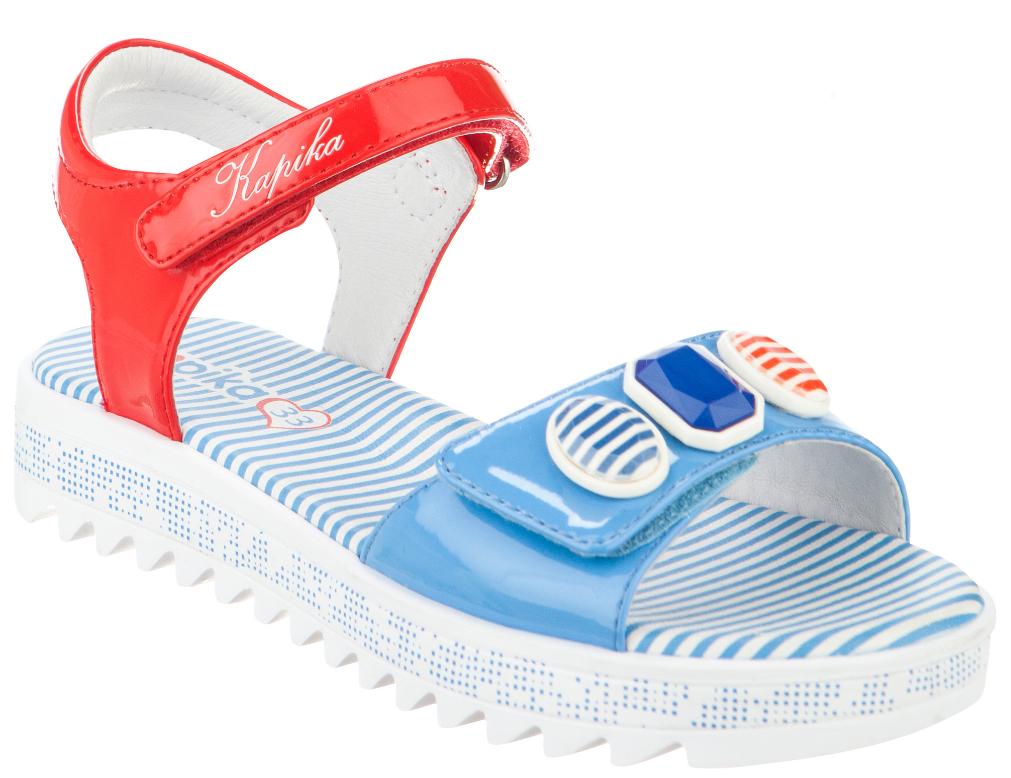 34042п-1Восхитительные босоножки от Kapika не оставят равнодушной вашу юную модницу! Модель изготовлена из искусственной кожи. Удобные ремешки на застежках-липучках надежно фиксируют ножку вашей малышки. Внутренняя часть и стелька выполнены из натуральной кожи. Стелька дополнена супинатором. Максимально комфортная подошва обеспечивает отличное сцепление с поверхностью.