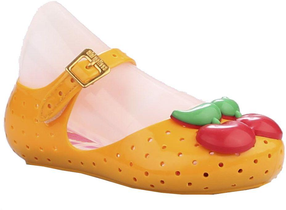 Туфли23006-11Туфли для девочки от Vitacci выполнены из силикона и дополнены перфорацией. Мыс модели оформлен декоративным элементом в виде вишенок. Ремешок с пряжкой надежно зафиксирует модель на ноге. Подошва из резины дополнена рифлением.
