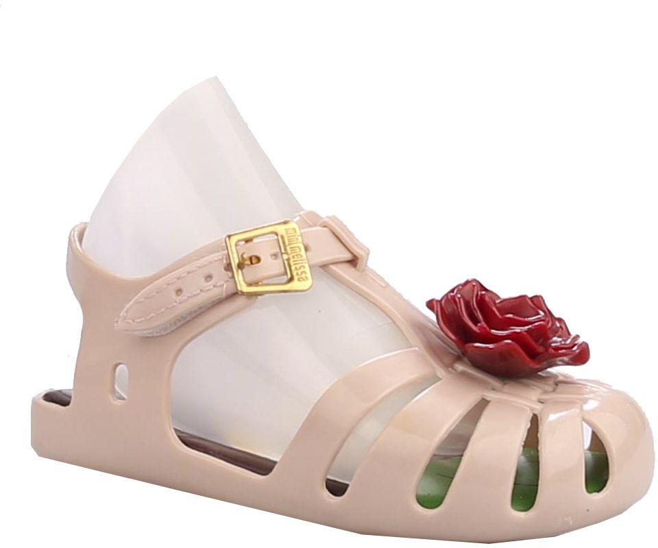 Сандалии23011-9Сандалии для девочки от Vitacci выполнены из силикона. Модель с закрытым носком, украшенным аппликацией в виде цветка. Ремешок на застежке-липучке декорирован металлической пряжкой. Резиновая подошва оснащена рифлением.