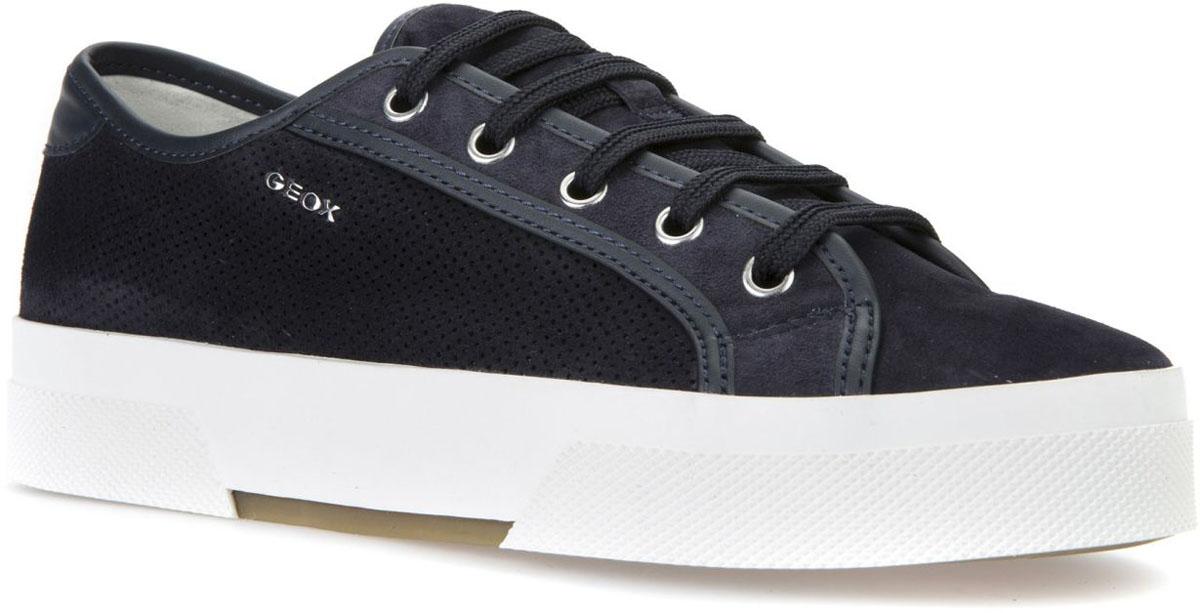 КроссовкиD7234A021BCC4174Модные женские кроссовки Geox покорят вас своим удобством. Модель выполнена из замши. Шнуровка надежно фиксирует модель на ноге. Стильные кроссовки прекрасно впишутся в ваш гардероб.