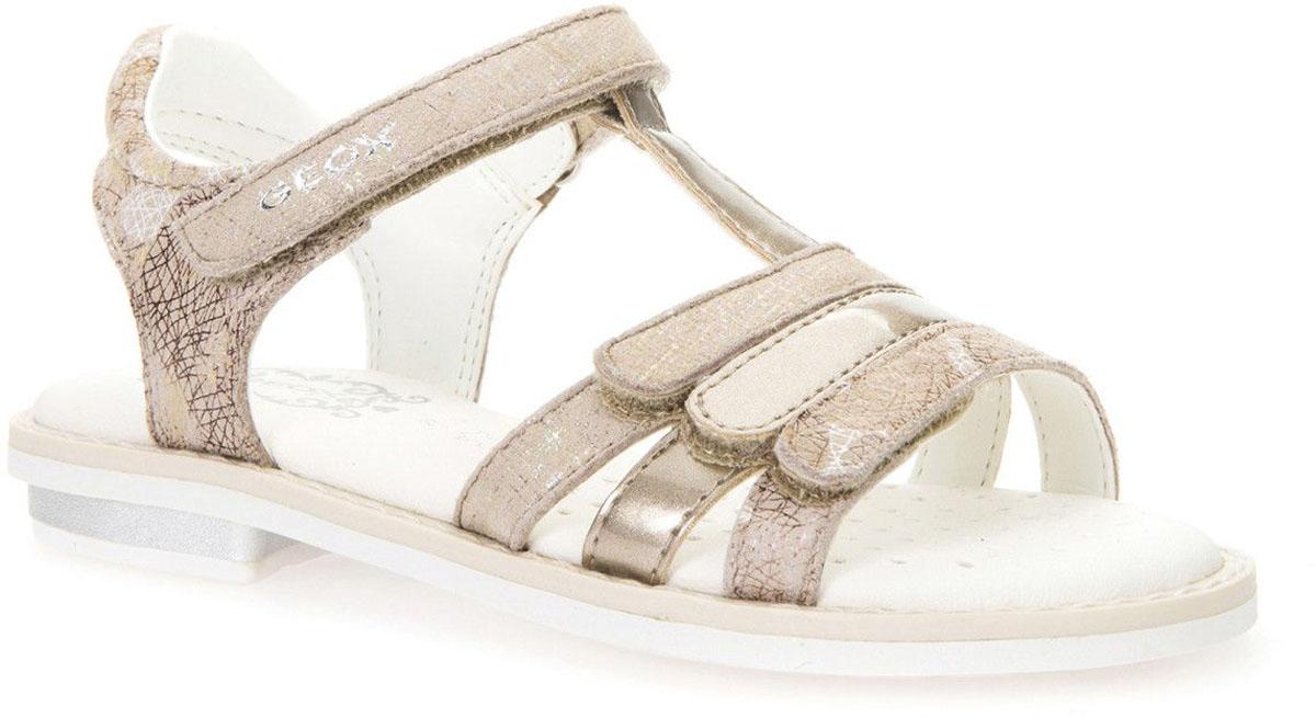 БосоножкиJ62E2A000JSC5000Чудесные босоножки Geox покорят вашу дочурку с первого взгляда. Модель с открытой пяткой выполнена из замши. Ремешки на застежках-липучках надежно зафиксирует босоножки на ножке ребенка. Модные босоножки займут достойное место среди коллекции обуви вашей девочки.