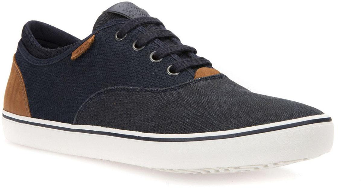 КроссовкиU62X2B022NBC4002Модные мужские кроссовки Geox покорят вас своим удобством. Модель выполнена из замши и текстиля. Шнуровка надежно фиксирует модель на ноге. Стильные кроссовки прекрасно впишутся в ваш гардероб.