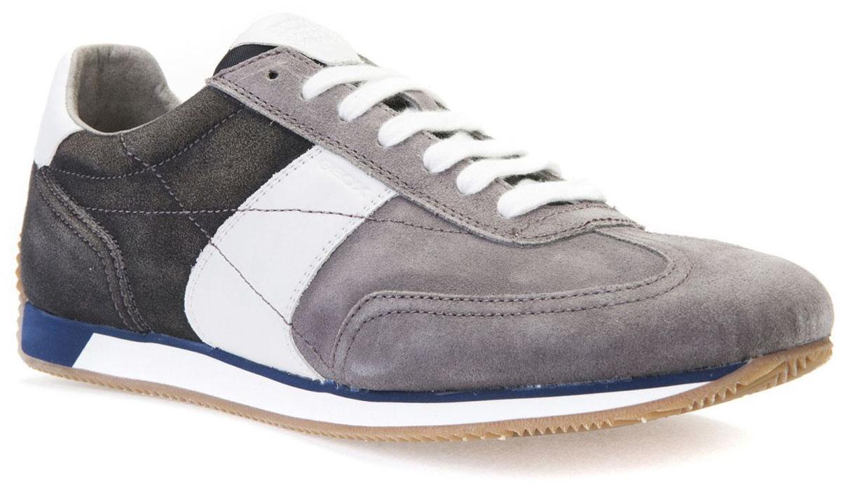 КроссовкиU722LA00022C0268Модные мужские кроссовки Geox покорят вас своим удобством. Модель выполнена из замши. Шнуровка надежно фиксирует модель на ноге. Стильные кроссовки прекрасно впишутся в ваш гардероб.