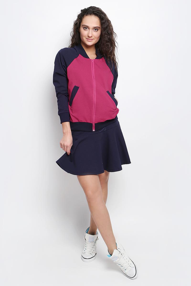 Комплект одеждыR031637Женский комплект Rocawear включает в себя юбку и толстовку. Все элементы комплекта выполнены из хлопка с добавлением полиэстера и лайкры. Толстовка с круглым вырезом горловины и длинными рукавами-реглан застегивается на застежку-молнию спереди. Горловина и низ модели дополнены широкими трикотажными вставками. Рукава дополнены эластичными манжетами. Спереди расположены два втачных кармана. Укороченная юбка дополнена широкой эластичной резинкой на талии.