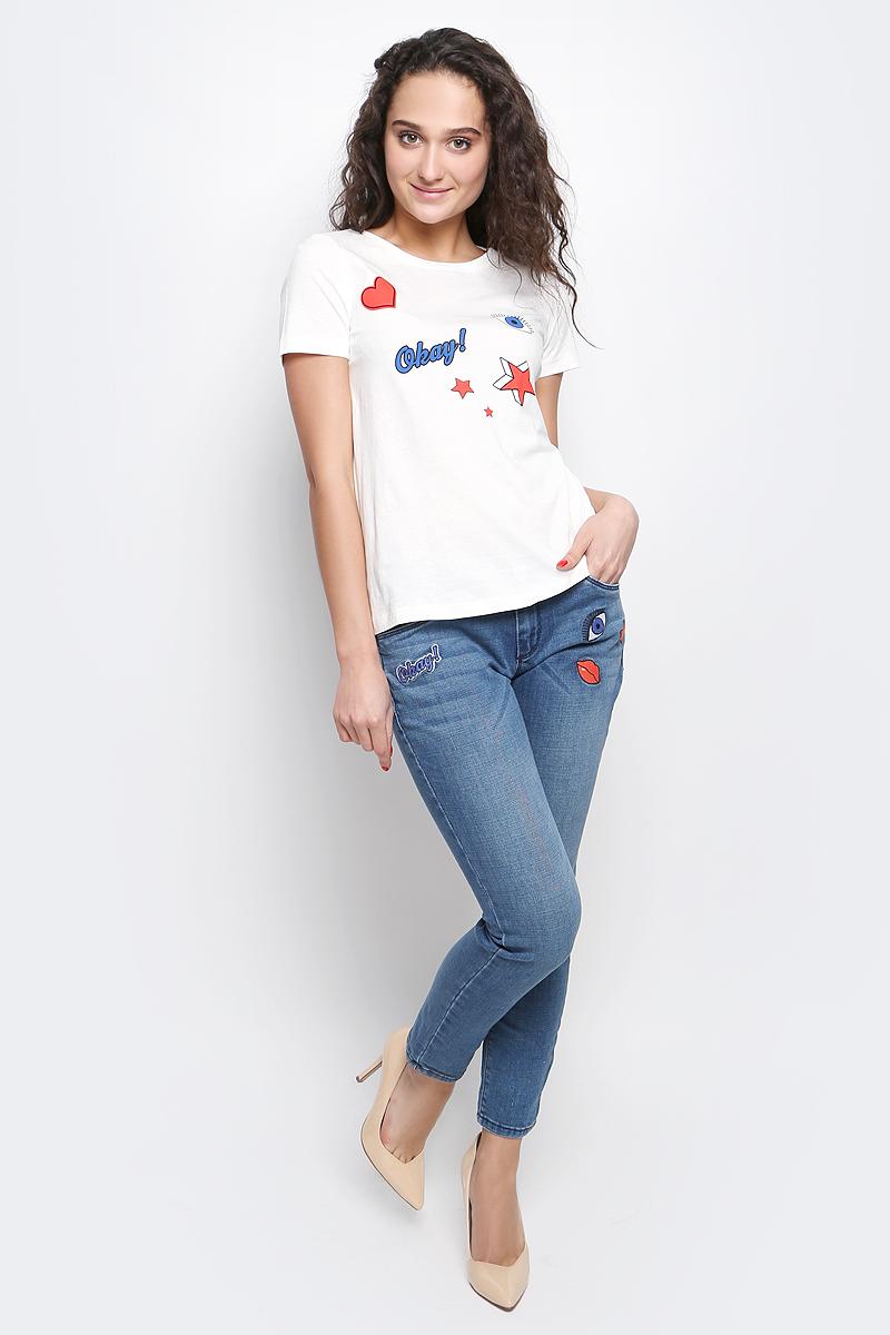 1036989.00.75_8210Женская футболка Tom Tailor Contemporary изготовлена из высококачественного натурального хлопка. Модель с короткими рукавами и круглым вырезом горловины украшена ярким принтом с крупными элементами.