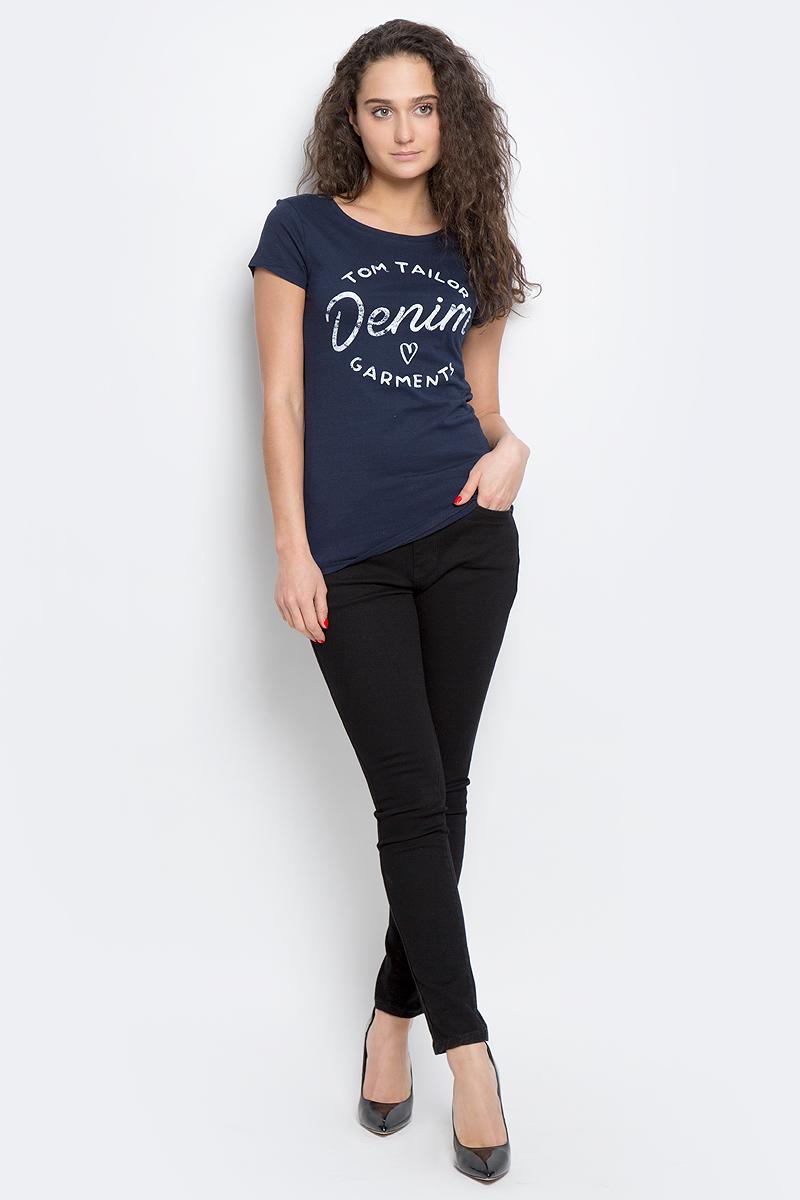 1036780.09.71_2707Женская футболка Tom Tailor Denim выполнена из натурального хлопка. Модель с круглым вырезом горловины и короткими рукавами оформлена принтовыми надписями.