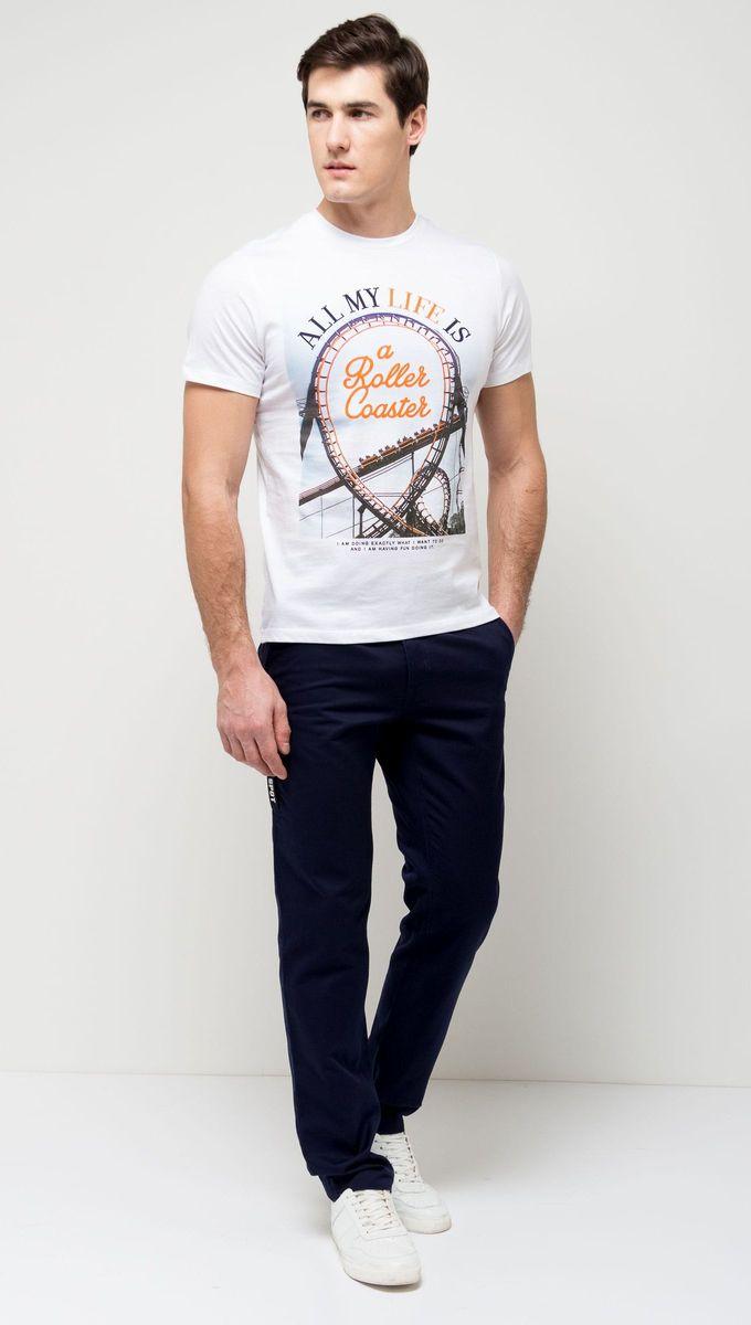 ФутболкаTs-411/093-7161Стильная мужская футболка полуприлегающего силуэта Sela изготовлена из натурального хлопка и оформлена оригинальным принтом с надписями. Воротник дополнен мягкой трикотажной резинкой. Яркий цвет модели позволяет создавать модные образы.
