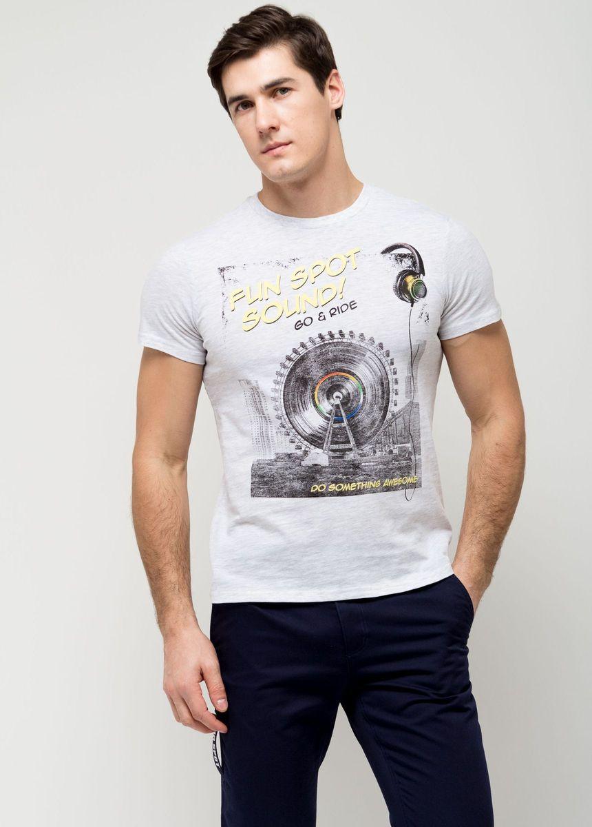 ФутболкаTs-411/095-7161Стильная мужская футболка полуприлегающего силуэта Sela изготовлена из качественного хлопкового материала и оформлена оригинальным принтом с надписями. Воротник дополнен мягкой трикотажной резинкой. Яркий цвет модели позволяет создавать модные образы.