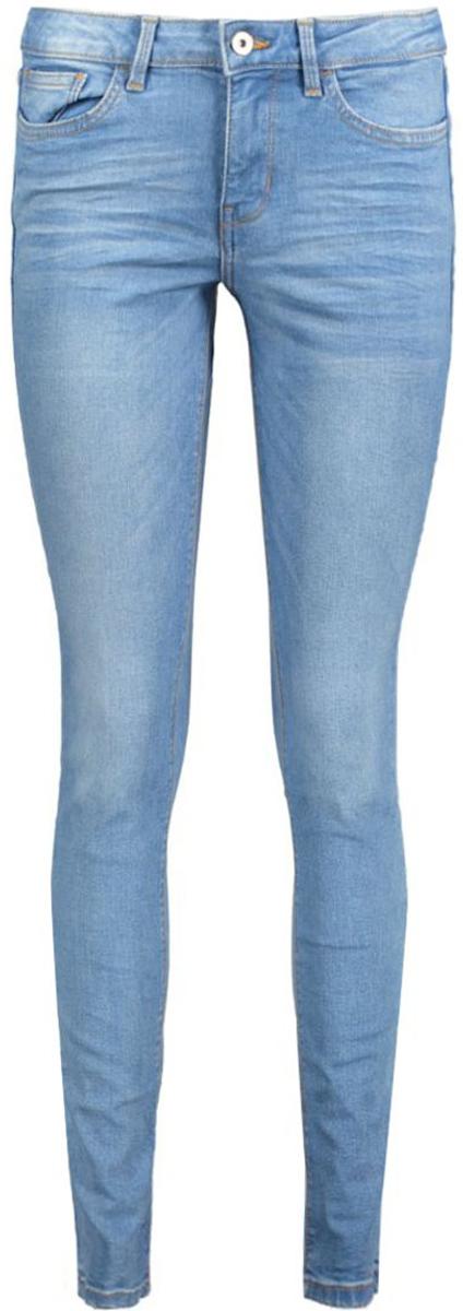 Джинсы6205364.09.71_1051Женские джинсы Tom Tailor выполнены из высококачественного материала. Модель на талии застегивается на металлическую пуговицу и имеет ширинку на застежке-молнии, а также шлевки для ремня. Джинсы имеют классический пятикарманный крой: спереди два втачных кармана и один накладной кармашек, а сзади - два накладных кармана.