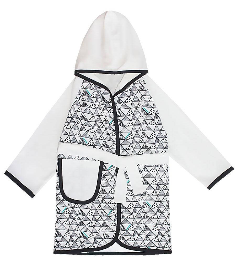 12273Очаровательный халат для мальчика КотМарКот Геометрия изготовлен из натурального хлопка. Халат с запахом затягивается поясом. Модель с длинными рукавами-реглан и капюшоном украшена оригинальным принтом. Спереди халат дополнен накладным карманом.