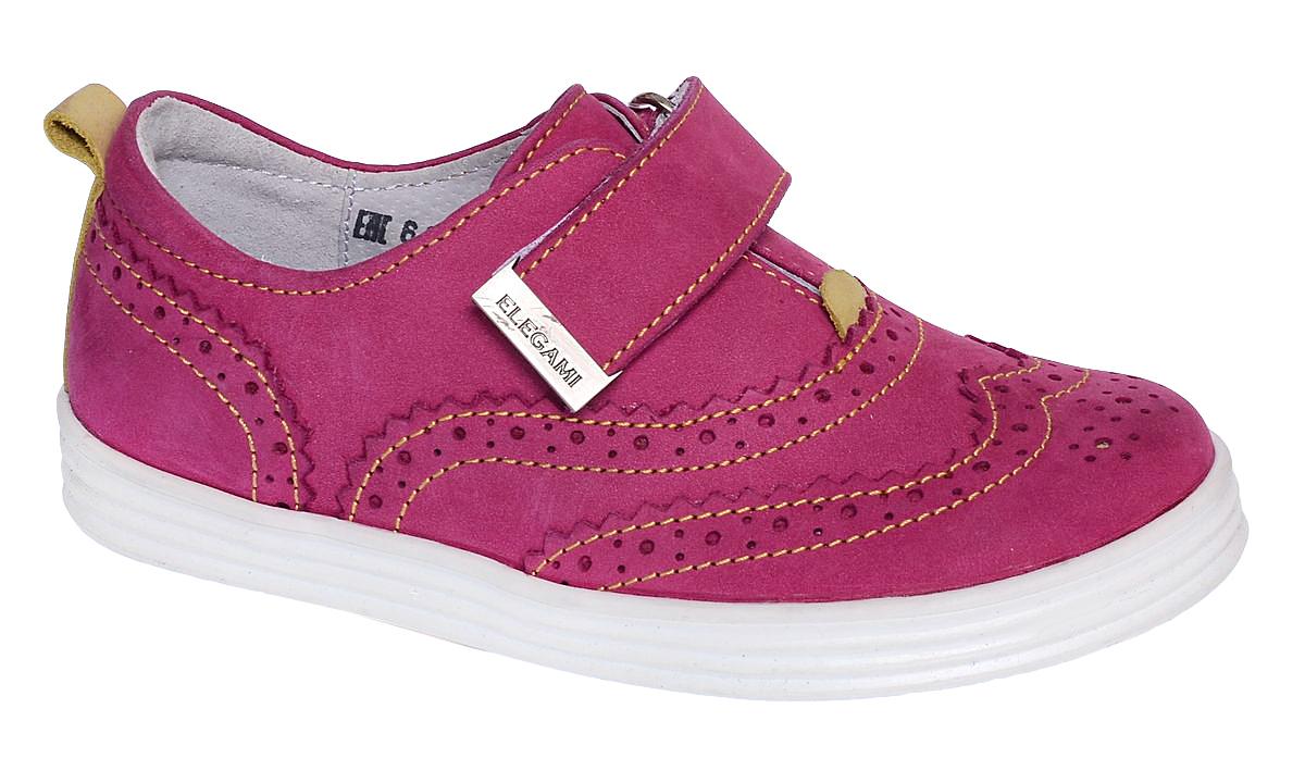 Полуботинки6-612761703Модные полуботинки от Elegami для девочки выполнены из нубука. Модель оформлена декоративной перфорацией и контрастной прострочкой. Ремешок с застежкой-липучкой на подъеме гарантирует надежную фиксацию обуви. На заднике предусмотрена петелька для удобства обувания. Внутренняя поверхность и стелька из натуральной кожи обеспечат комфорт при носке. Подошва выполнена из прочного ТЭП-материала. Рифление на подошве гарантирует идеальное сцепление с поверхностью. Стильные полуботинки займут достойное место в гардеробе вашего ребенка.