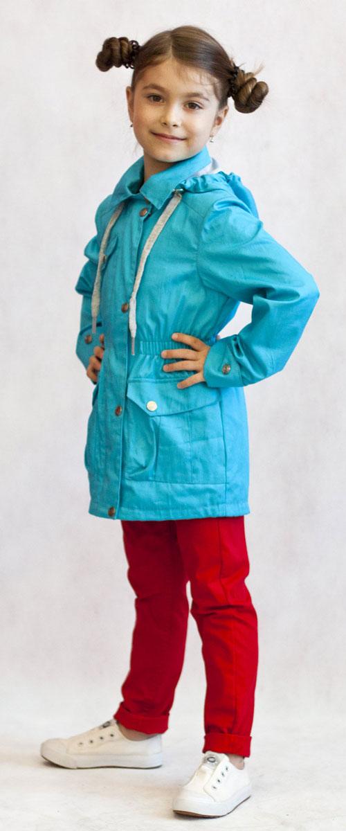 Ветровка3К1702-1Яркая и легкая ветровка от Oldos украсит гардероб юной модницы и пригодится в прохладный солнечный весенний денек! Внешняя ткань из хлопка с водоотталкивающей пропиткой дышит и защищает от ветра. Принтованная подкладка из трикотажа приятна на ощупь. Объем капюшона можно легко отрегулировать при необходимости. Талия подчеркнута внутренней резинкой. Имеются вместительные накладные карманы с клапаном на кнопке. Рукава прямые с декоративным отворотом. Светоотражающие элементы. Ветровка подойдет на температуру +10...+20 С.