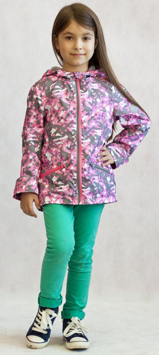 Ветровка3К1717Легкая весенняя ветровка от Jicco By Oldos из принтованной курточной ткани станет украшением весеннего гардероба! Такая курточка идеально подойдет на ветреную погоду с температурой +10…+20 С, защитит от легкого весеннего дождика и переменчивого ветра. Флисовая подкладка на грудке, спинке и в капюшоне. Ветрозащитная планка с защитой подбородка от прищемления; капюшон не отстегивается, для лучшего прилегания по бокам вшита резинка; рукав прямой; талия присборена на резинку. Ветровка оснащена светоотражающими элементами и карманами на молнии.