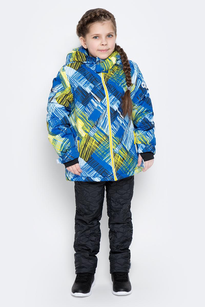 362153Зимняя куртка для девочки выполнена из водоотталкивающего материала со светоотражающими вставками и оформлена ярким принтом, который выгодно контрастирует с белым снегом. Куртка с воротником-стойкой, защищающим от ветра, застегивается на молнию с защитой подбородка и дополнена двумя прорезными карманами. Уютная флисовая подкладка обеспечивает дополнительное удобство и удерживает тепло. Рукава изделия дополнены трикотажными манжетами-полуварежками с отверстием для большого пальца, которые обеспечивают защиту от ветра. Съемный капюшон застегивается на липучки. Модель оснащена дополнительной внутренней «юбкой» на кнопках, которая защищает от снега и ветра. Низ куртки утягивается стопперами.