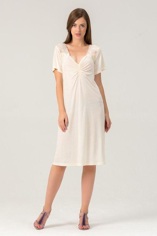 456С1Женская ночная сорочка из нежной вискозы. Длина - чуть ниже колена. Вставки мягкого кружева.