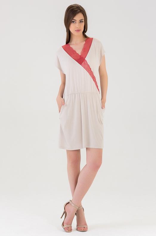 Ночная рубашка439C1Чудесная ночная сорочка из вискозы длиной выше колена. С фиксацией на талии. Украшена кружевом по вырезу груди.