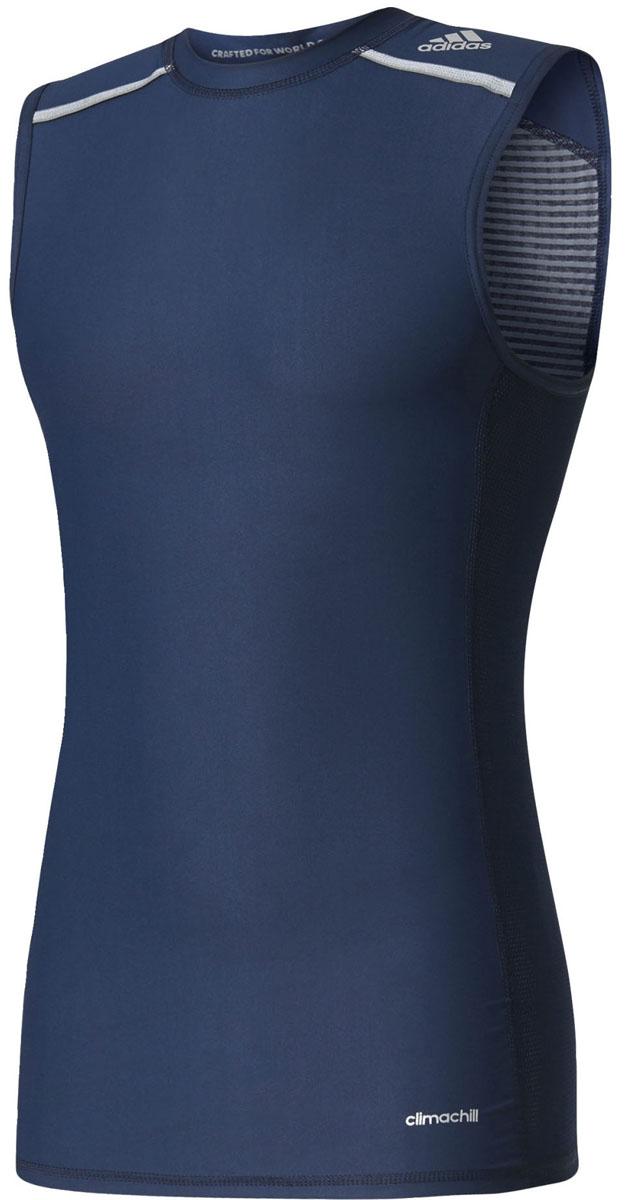 МайкаAJ4911Майка для фитнеса Tf Chill Sl от Adidas выполнена из эластичного полиэстера. Компрессионный крой обеспечивает мышцам дополнительную поддержку, а технология climachill™ сохраняет освежающее ощущение прохлады, помогая сосредоточиться на спортивных целях. Модель дополнена защитой от УФ-лучей 50+. Благодаря специальной сетчатой ткани и стратегически расположенным алюминиевым сферам технология climachill™ обеспечивает оптимальный уровень вентиляции и эффективно отводит излишки тепла от тела. У изделия круглый ворот, принт Techfit на спине, двухцветные сетчатые вставки. Ультрамягкие и стратегически расположенные плоские швы для снижения риска раздражения кожи. Технология Polygiene позволяет экипировке дольше оставаться свежей благодаря особому составу из хлорида серебра.