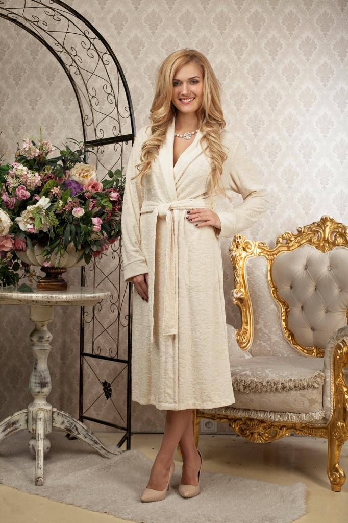 Халат486Изящный женский халат средней длины из трикотажного бамбука. Узор по всему изделию придает халату элегантный вид. Цветовая гамма нежных оттенков подчеркивает утонченность и создает романтическое настроение.