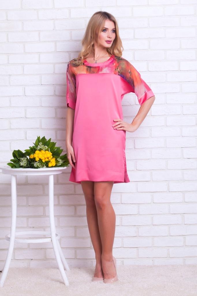 Платье домашнее219Шикарный удлиненный халат на пуговицах из благородного велюра в модном восточном стиле. Воротник-стоечка красиво отделан кантом в цвет вышивки, полноценный рукав с декоративной окантовкой.