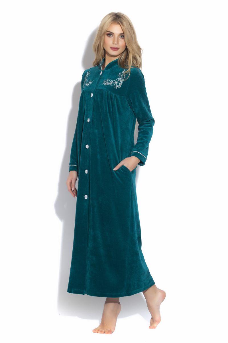 Халат391Шикарный удлиненный халат на пуговицах из благородного велюра в модном восточном стиле. Воротник-стоечка красиво отделан кантом в цвет вышивки, полноценный рукав с декоративной окантовкой.