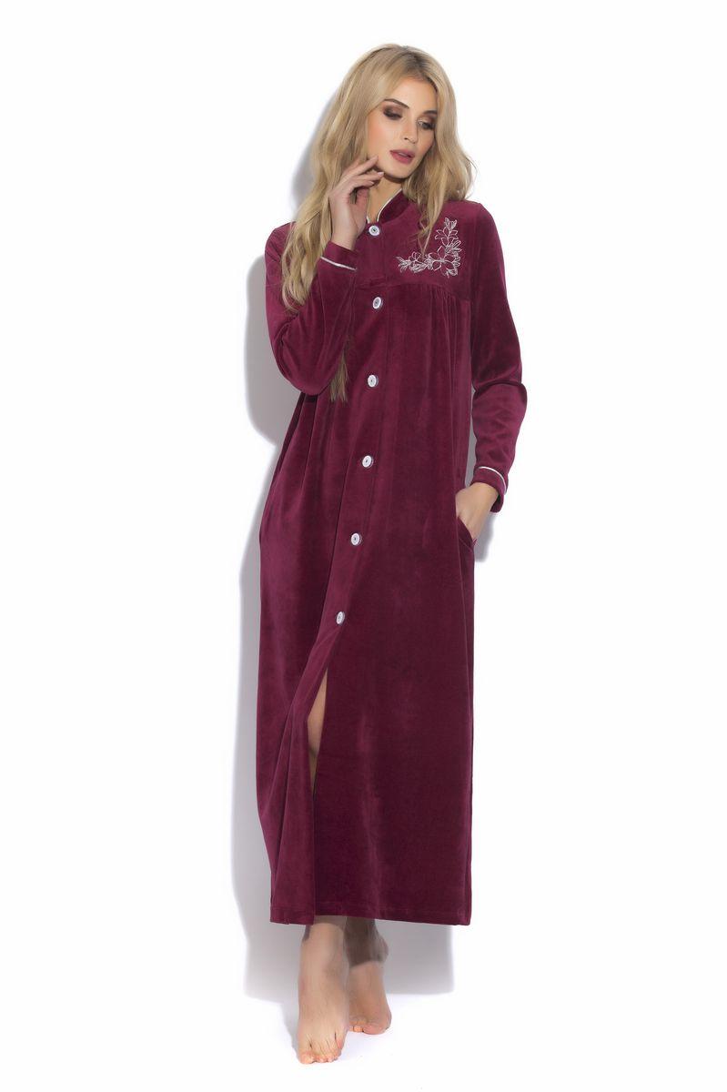 391Шикарный удлиненный халат на пуговицах из благородного велюра в модном восточном стиле. Воротник-стоечка красиво отделан кантом в цвет вышивки, полноценный рукав с декоративной окантовкой.