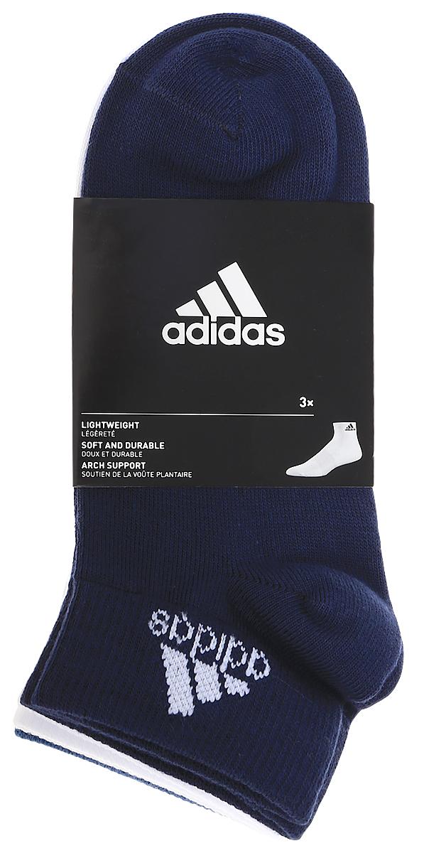 Комплект носковS99888Носки adidas Per No-Sh T изготовлены из высококачественного эластичного хлопка с добавлением полиамида и полиэстера. Укороченные носки с поддержкой стопы имеют эластичную резинку, которая надежно фиксирует носки на ноге. В комплект входят 3 пары носков разных цветов.