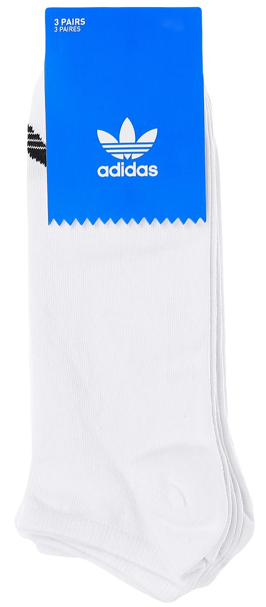 Комплект носковS20273Носки adidas Trefoil Liner изготовлены из высококачественного эластичного хлопка с добавлением полиэстера. Укороченные носки с поддержкой стопы имеют эластичную резинку, которая надежно фиксирует носки на ноге. В комплект входят 3 пары носков, оформленных логотипом бренда adidas.