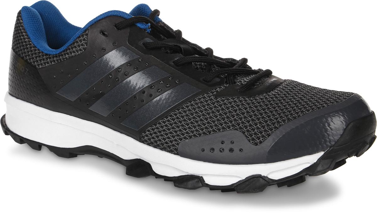 КроссовкиBB4430Мужские кроссовки для бега adidas Duramo 7 Trail выполнены из сетчатого текстиля и оформлены фирменными накладками из полимера. Шнурки надежно зафиксируют модель на ноге. Внутренняя поверхность из текстиля комфортна при движении. Стелька выполнена из легкого ЭВА- материала с поверхностью из текстиля. Подошва изготовлена из высококачественной резины и дополнена рельефным рисунком. Задняя часть подошвы оснащена вставкой из Adiprene, которая смягчает ударную нагрузку на стопу и обеспечивает дополнительную амортизацию.