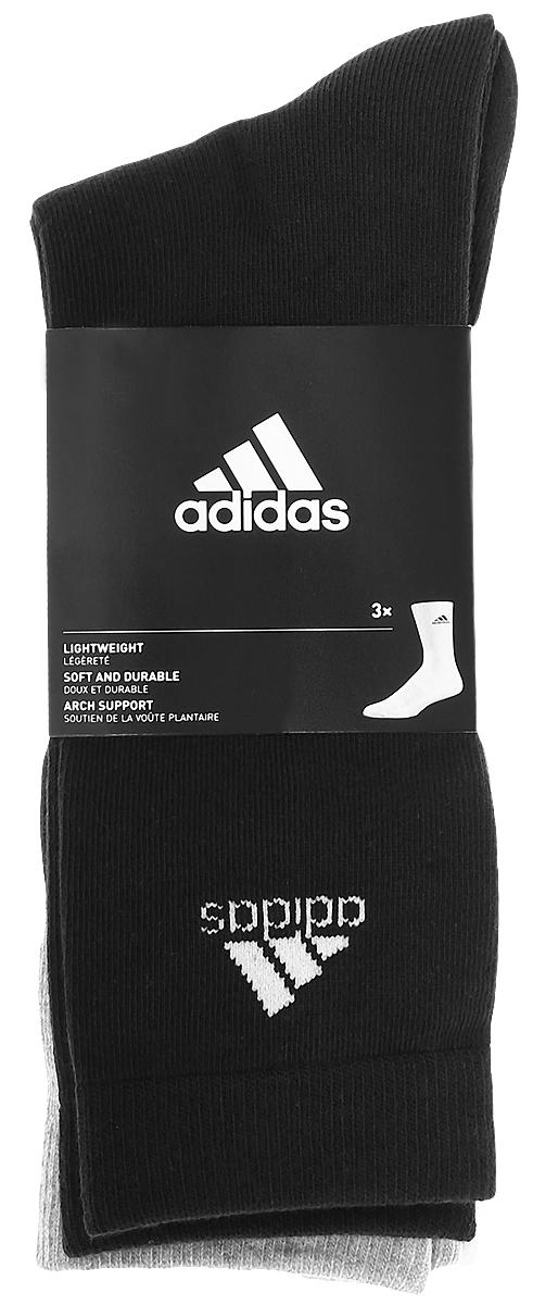 Комплект носковAA2330Носки adidas Per Crew T изготовлены из высококачественного мягкого эластичного хлопка с добавлением полиэстера и полиамида. Удлиненные носки с поддержкой стопы имеют эластичную резинку, которая надежно фиксирует носки на ноге. В комплект входят 3 пары носков, оформленных логотипом бренда adidas.