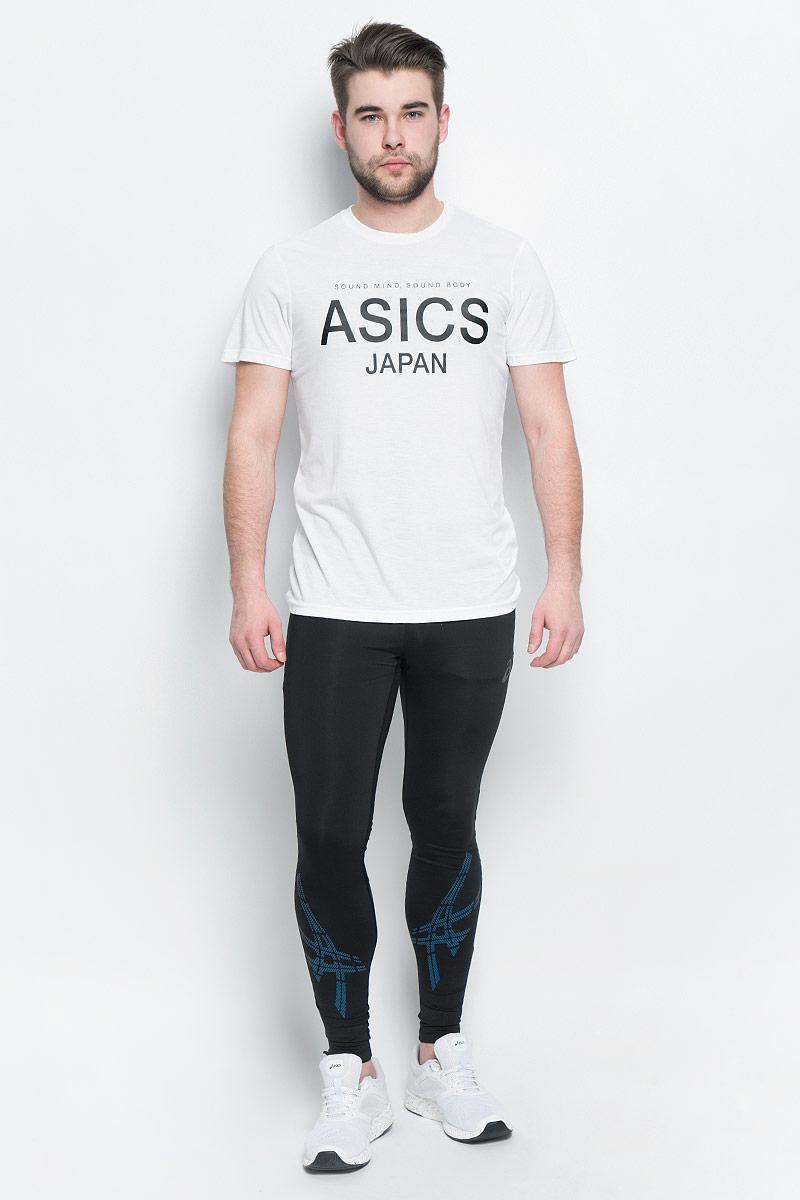 Футболка141100-0001Мужская футболка Asics выполнена из полиэстера с добавлением вискозы и эластана. У модели классический круглый ворот и короткие стандартные рукава. Спереди изделие оформлено принтом с надписями, на спинке - логотипом бренда. Технология Motion Dry позволяет выводить влагу, оставляя тело сухим и сохраняя его оптимальный температурный режим.