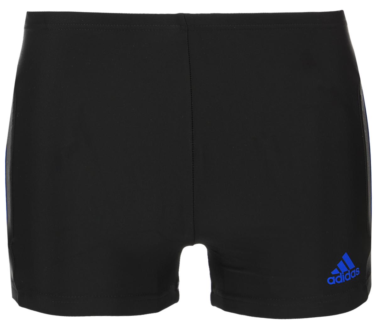 ПлавкиBP9520Плавательные мужские шорты aadidas Inf Ec3Sm Bx выполнены из полиамида с добавлением эластана. Эти удобные мужские боксеры помогут справиться даже с самыми тяжелыми тренировками. Они сделаны из материала InfIinitex, который сопротивляется воздействию хлора. Оформлена модель классическими тремя полосами и логотипом бренда на левом боку.