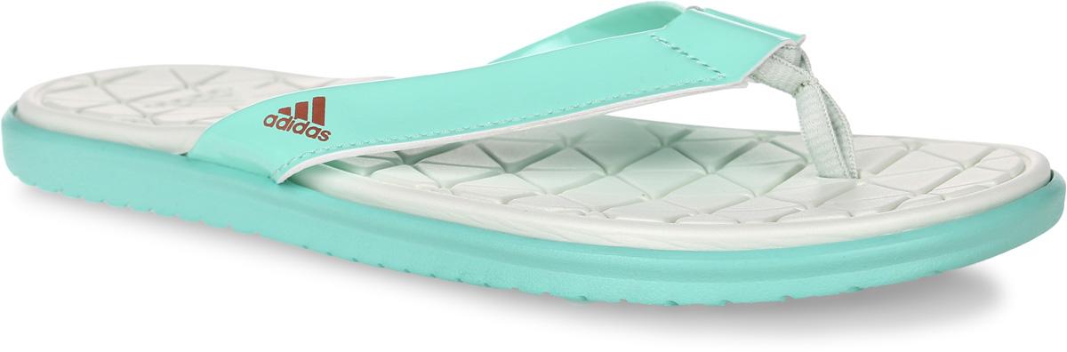 СланцыBA8784Женские сланцы adidas Caverock Cf выполнены из вспененного полимера и лаковой искусственной кожи. Подошва и стелька оснащены технологией Cloudfoam для поглощения ударных нагрузок и комфортной посадки без разнашивания. Поверхность подошвы дополнена рельефным рисунком.