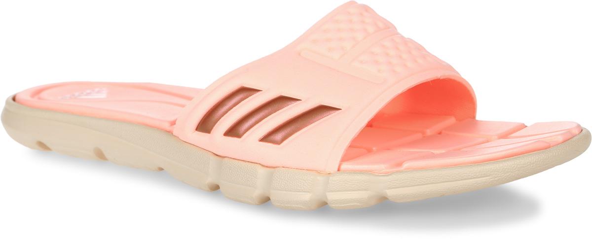 ШлепанцыBB4558Женские шлепанцы adidas Adipure Cf выполнены из вспененного полимера и оформлены фирменным тиснением. Подкладка выполнена из мягкого текстиля, комфортного при движении. Подошва и стелька оснащены технологией Cloudfoam для поглощения ударных нагрузок и комфортной посадки без разнашивания. Поверхность подошвы дополнена рельефным рисунком.